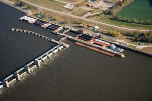 2008 Aerial Barges in Lock and Dam 21 Quincy _ Rivers Issues
